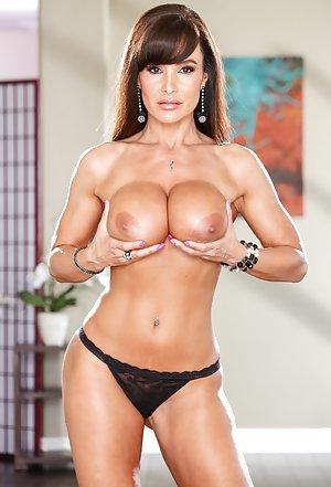 Big Tits Pics